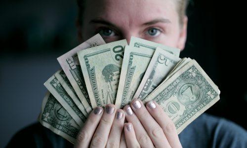 menjadi kaya