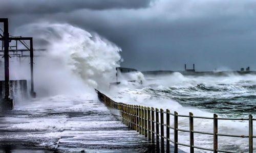 badai keuangan seperti badai di laut