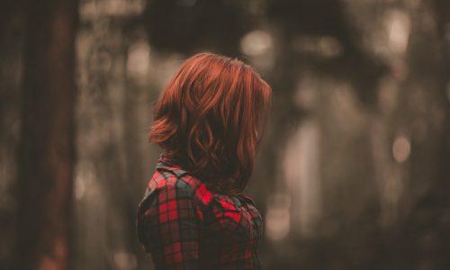 Wanita kristen yang memiliki Kristus dalam hatinya