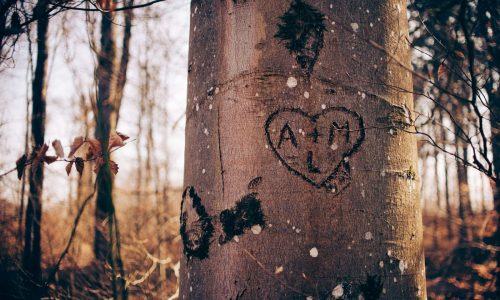 Tuhan tidak pernah gagal mencintai seperti manusia